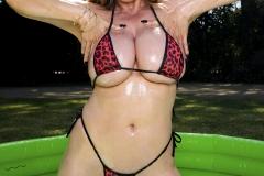 Kianna-Dior-Huge-Tit-Asian-Babe-Shows-Off-016