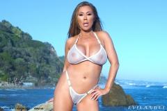 Kianna-Dior-Huge-Tit-Asian-Babe-Shows-Off-017