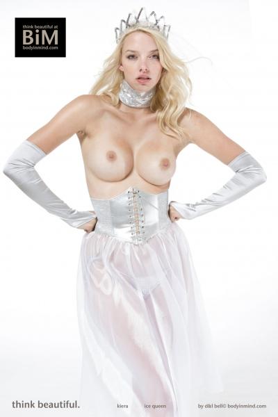 Kiera-Big-Tit-Blonde-Princess-with-Tiara-for-Body-in-Mind-002