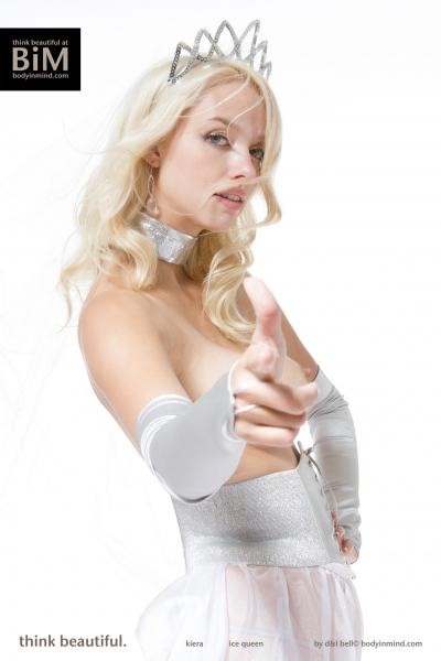 Kiera-Big-Tit-Blonde-Princess-with-Tiara-for-Body-in-Mind-013