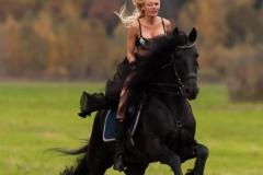 Kitana Lure Big Boob Amazon on a Horse 002