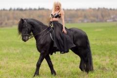 Kitana Lure Big Boob Amazon on a Horse 008
