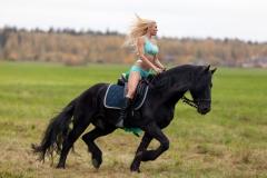 Kitana Lure Big Boob Amazon on a Horse 010
