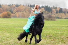 Kitana Lure Big Boob Amazon on a Horse 015