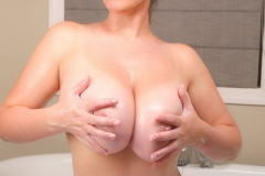 Lana Kendrick Huge Naked Tit Bathtime 019