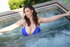 Lana-Kendrick-Huge-Tits-Blue-Bikini-Jacuzzi-003