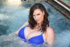 Lana-Kendrick-Huge-Tits-Blue-Bikini-Jacuzzi-007