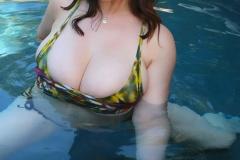 Lana-Kendrick-Huge-Tits-Get-Wet-015