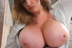Lana-Kendrick-Huge-Tits-Hanging-Out-of-Shirt-006