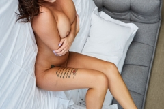 Lauren-Louise-Big-Tits-White-Bra-and-a-Bed-023