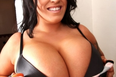Leanne Crow Huge Tits Black Bra 03