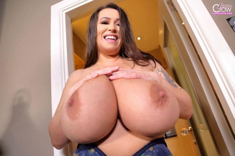 Leanne-Crow-Huge-Tits-in-Blue-Flowers-Bra-009