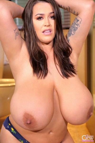 Leanne-Crow-Huge-Tits-in-Blue-Flowers-Bra-014