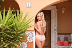 Lexi Lowe Big Breasts Naked by the Sunshine 01