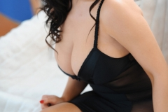 Lindsey Strutt Big Cleavage Black Lacy Stuff 03
