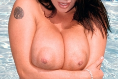 Linsey Dawn McKenzie Huge Boobs at the Swimming Pool 11