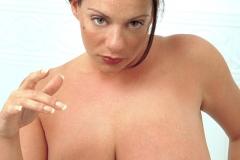 Linsey-Dawn-McKenzie-Huge-Tits-Get-Taken-for-a-Bath-002