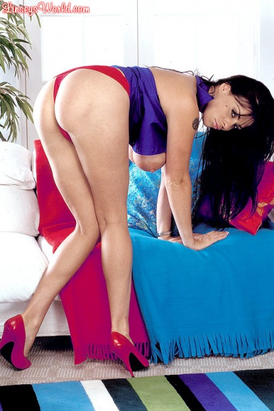 Linsey-Dawn-McKenzie-Huge-Tits-in-Tight-Blue-Top-and-Red-Miniskirt-007