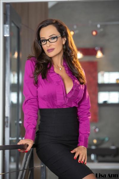 Lisa-Ann-Big-Tit-Tight-Skirt-Secretary-1001