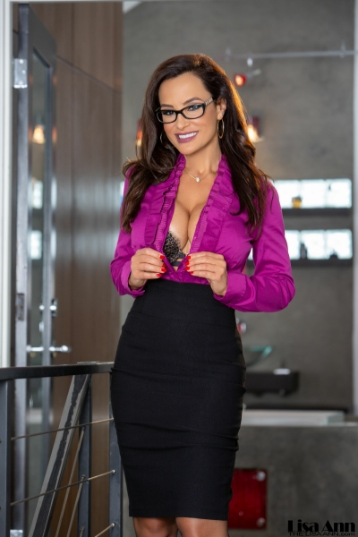 Lisa-Ann-Big-Tit-Tight-Skirt-Secretary-1004