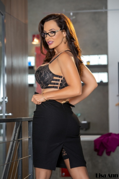 Lisa-Ann-Big-Tit-Tight-Skirt-Secretary-1008