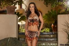Lisa-Ann-Big-Tits-in-Leopard-Print-Bikini-Top-and-Miniskirt-003