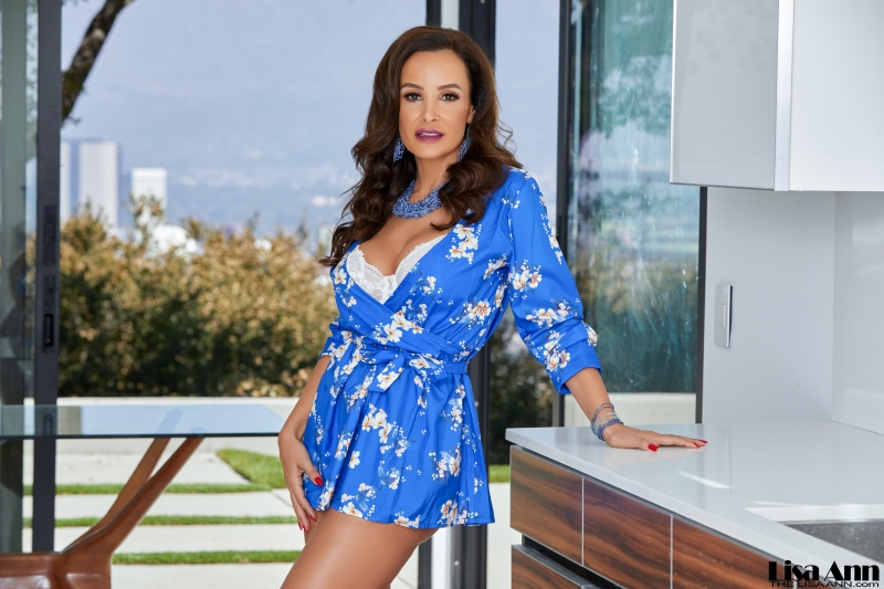 Lisa-Ann-Big-Tits-in-Silky-Blue-Minidress-1004