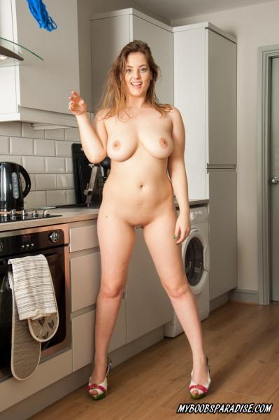 Lotti-Rose-Big-Tits-Doing-the-Housework-006