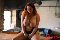 Lucy V Big Boobs in Black Body 010