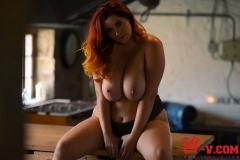 Lucy V Big Boobs in Black Body 011