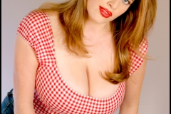 Maggie Green Huge Boobs and Cleavage 002