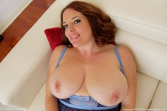 Maggie Green Huge Boobs Get Oiled Up 001