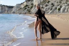 Margot-Big-Tits-and-Little-Black-Beach-Dress-for-Photodromm-004
