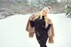 Maya-Criss-Big-Boobs-Snow-Babe-001