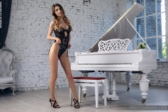 MIla Azul Getd Naked Tits for Piano Recital for Photodromm 001