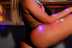 Olivia-Austin-Big-Tit-Blonde-at-the-Strip-Club-012