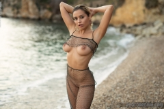 Rachel-Big-Tits-in-Sexy-Mesh-Bra-for-Photodromm-002