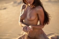 Rachel-Perky-Tits-on-the-Sand-for-Photodromm-007