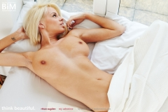 Rhian Sugden Lovely Big Breasts Opensing her Valentines Day Gift 01