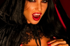 Romi-Rain-Big-Tit-vampire-Girl-014