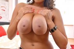 Sensual-Jane-Big-Boobs-in-Red-Bra-and-Red-Silky-Panties-007