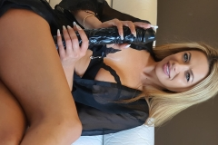 Shalina-Devine-Big-tits-and-Big-Dildo-003