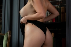 Sharona-Big-Tits-reading-a-Book-for-Photodromm-002
