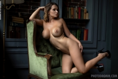 Sharona-Big-Tits-reading-a-Book-for-Photodromm-010