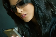 Sunny Leone Big Tits DArk Glasses and Silky Gown 03