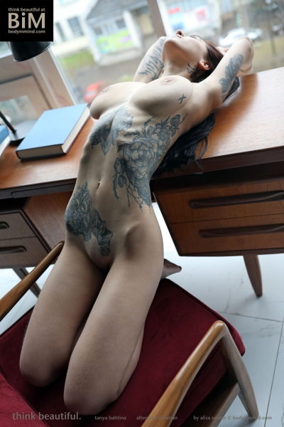 Tanya-Big-Tits-Come-out-in-the-Library-for-Body-in-Mind-013
