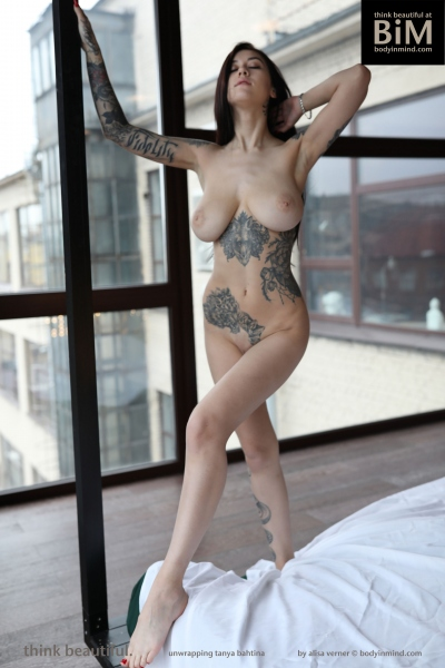 Tanya-Big-Tits-Playful-in-the-Bedroom-for-Body-in-Mind-014