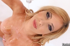 Tasha-reign-Big-Tits-Get-Oily-in-Pink-Bikini-001