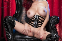 Tera-Patrick-Big-Tits-and-Thigh-High-Leather-Boots-1007