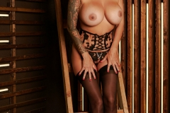 Tera-Patrick-Big-Tits-in-Arty-Black-Lingerie-1011